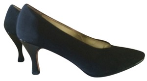 Saks Fifth Avenue Blac Pumps