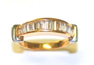 Clasic Diamond Baguette Band