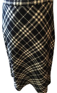 Burberry London Skirt Black and white
