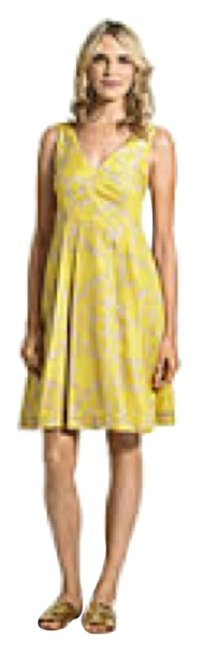 Item - Yellow/Gray Knee Length Night Out Dress Size 8 (M)