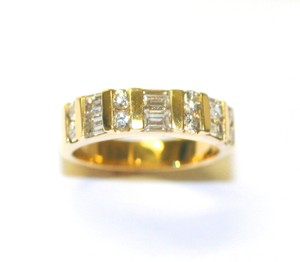 Yellow Gold Special For Holiday's Round Diamond Women's Wedding Band