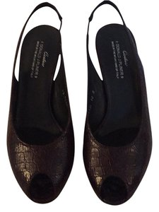 Donald J. Pliner Brown Pumps