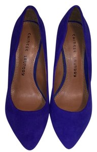 Chinese Laundry Royal blue Pumps