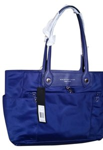 Marc Marc Jacobs Tote in violet