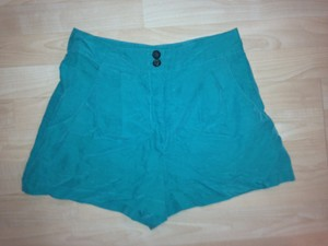 Topshop Blogger Fashion Fun Kate Moss Stylist Dress Shorts Green