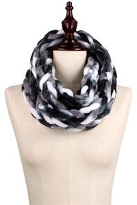 Chunky Chain Knit Infinity Scarf Black, White