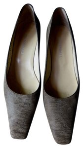 Bruno Magli Stylish Kitten Heel taupe leather Pumps