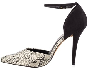 MIA Snakeskin Animal Print Black/Snake Pumps