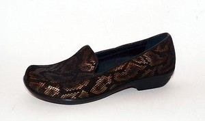 Dansko New Olivia black, bronze Flats