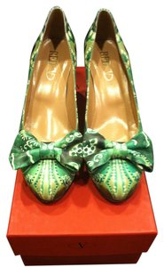 RED Valentino Leather Signature Bow Design Bow S Made In Italy Unique Green Pumps