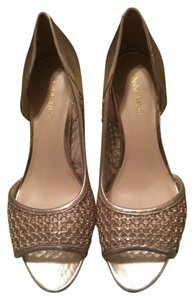 Nine West Heels Gold Pumps