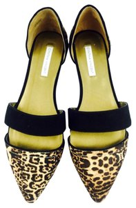 Twelfth St. by Cynthia Vincent Leopard Flats
