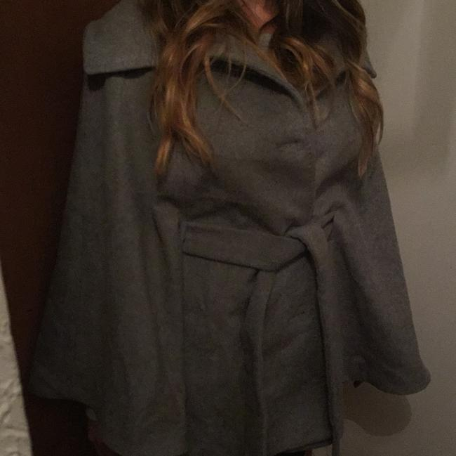 Item - Gray Wool Poncho/Cape Size 6 (S)