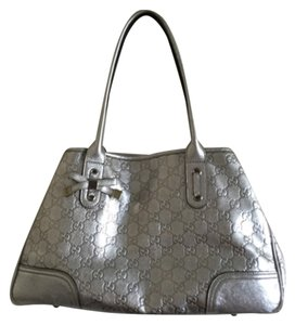 Gucci Logo Leather Metallic Gg Bow Tote in Silver