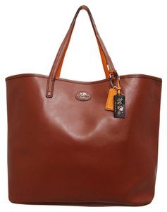 Coach Hang Tag Spacious Leather Tote in Brown