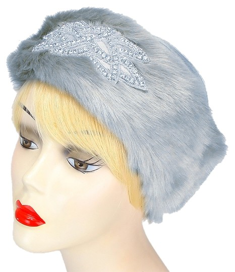 Preload https://img-static.tradesy.com/item/6388714/gray-clear-crystal-fur-accent-motif-stretchable-winter-headband-earmuff-hair-accessory-0-0-540-540.jpg