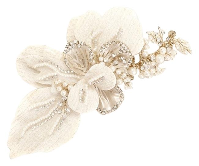 Item - Ivory and Gold Item Code C9048 Hair Accessory