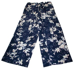 Wrap Singapore Relaxed Pants Black crepe with white flowers