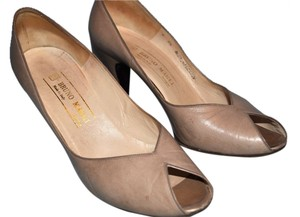 Bruno Magli Designer Leather Italian Vintage Beige Pumps