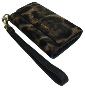 Michael Kors Michael Kors Electronics Phone Iphone Case & Wristlet Leopard Haircalf