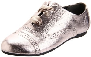 Nina Nwt Omg Oxford Crackle Pewter Flats