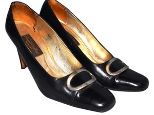 Barefoot Originals Leather Spain Buckle Vintage Round Toe Square Toe Great Condition Black Pumps