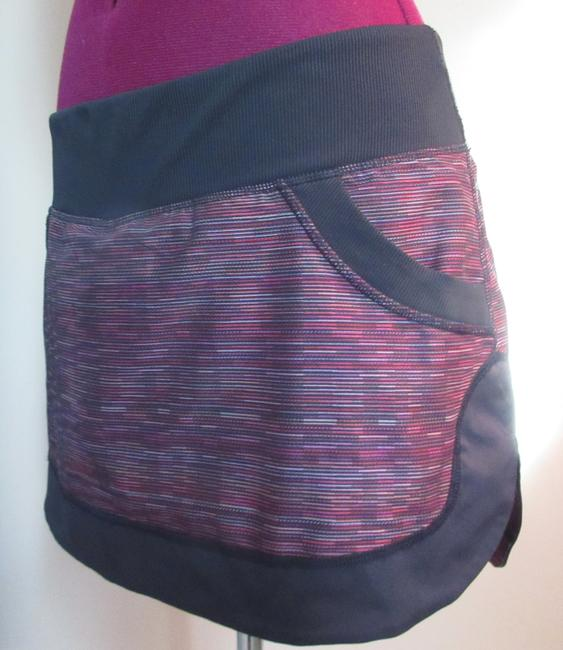 Item - Multi-color Rust Maroon with Black Trim Activewear Bottoms Size 8 (M, 29, 30)