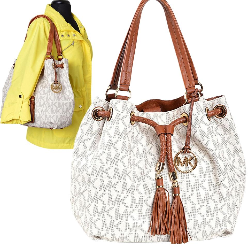 986c12dfcb6a Michael Kors 30t3gttt9b Mk Off White Winter Ivory Logo Pvc Marina Shoulder  Bag Image 0 ...
