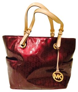 Michael Kors Burgundy Jet Set Signature Tote In Metallic Bordeaux