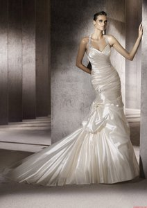 Pronovias Pronovias Wedding Dresses - Style Porto Wedding Dress