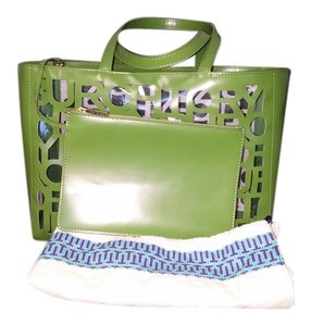 Tory Burch Nwt Cut Out Dust Wristlet Pouch Tote in Leaf Green