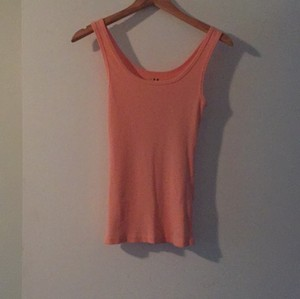Three Dots Top Peach