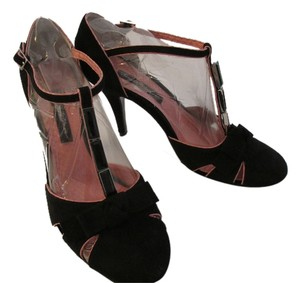 Beverly Feldman Black with pink piping Pumps