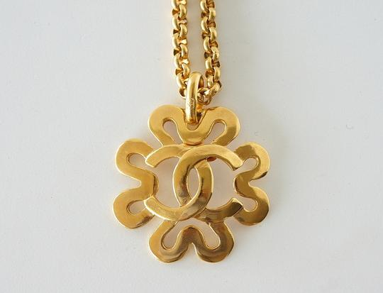 Chanel Chanel Gold CC Flower Necklace Image 3