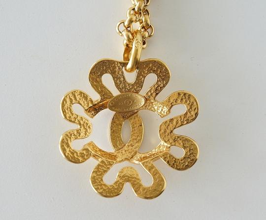 Chanel Chanel Gold CC Flower Necklace Image 4