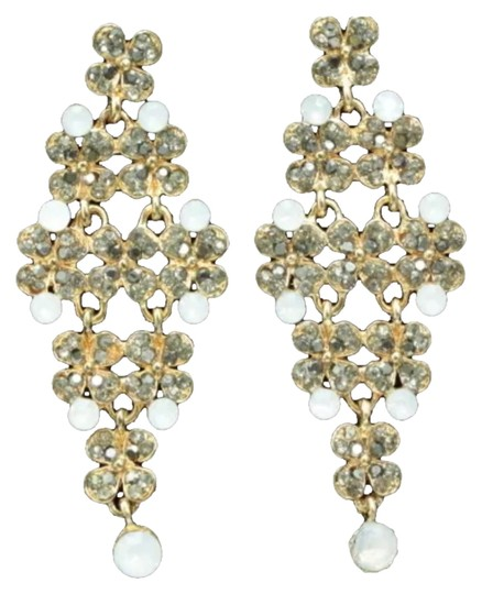 Preload https://img-static.tradesy.com/item/6492736/gold-and-clear-crystal-chandelier-style-earrings-0-0-540-540.jpg