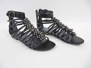 Kenneth Cole Love To Black Sandals