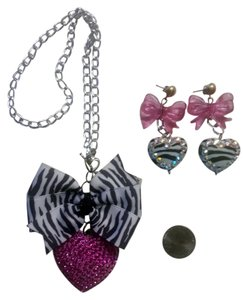 Zebra bows & hearts...necklace & earrings