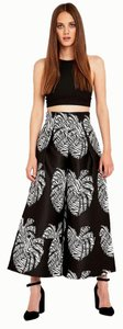 Solace London Capri/Cropped Pants print