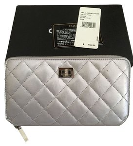 Chanel Wallet Zippy Quilted