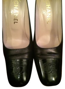 Chanel Logo Leather black Pumps