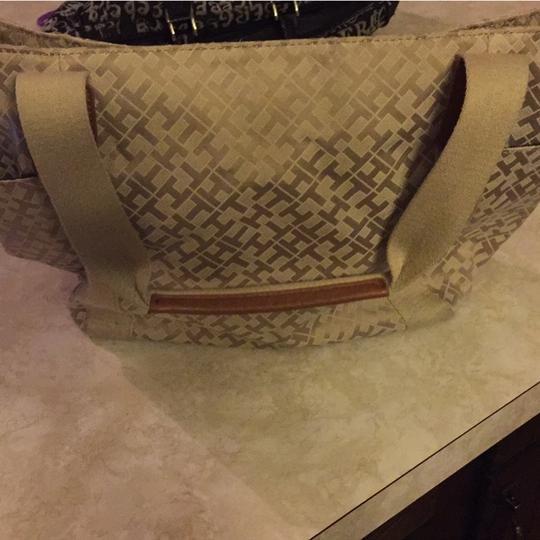Tommy Hilfiger Tote in Tan