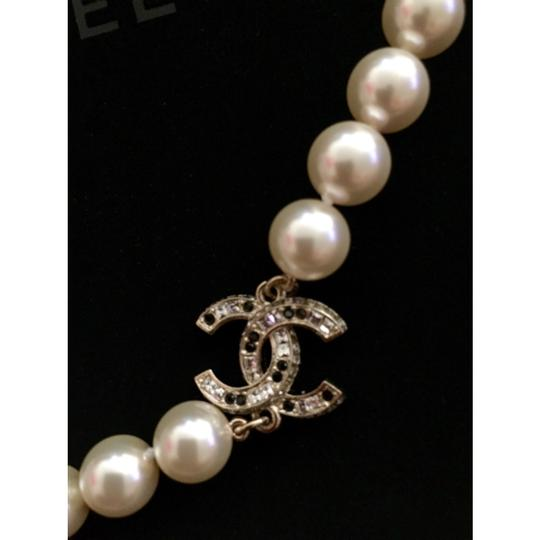 Chanel Chanel Pearl Necklace CC Logo Classic