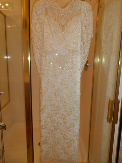 Demetrios White Unknown Ilissa Formal Wedding Dress Size 8 (M)