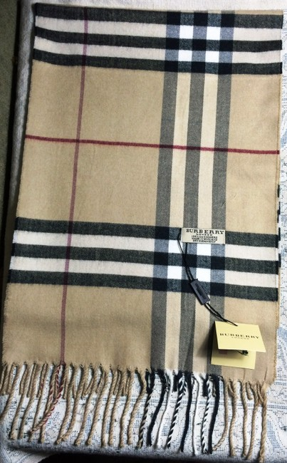 Item - Cream with Black Red and White Patterns Classic Cashmere In Heritage Check Scarf/Wrap