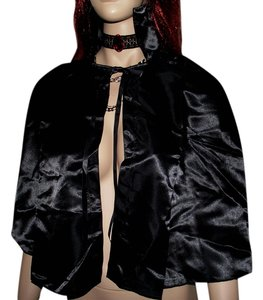 Frederick's of Hollywood Halloween Costume Vampire Ruby Red Gothic Choker Black Cape Vampire