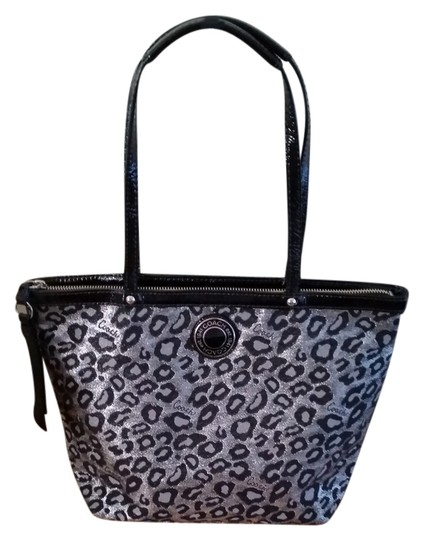 Preload https://item4.tradesy.com/images/coach-excellent-pre-owned-signature-ocolet-animal-print-f21061-svgrey-multi-gray-tote-6540388-0-0.jpg?width=440&height=440