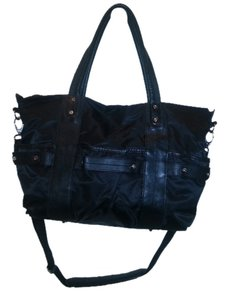 Levenger Shoulder Carry-on Tote in Black