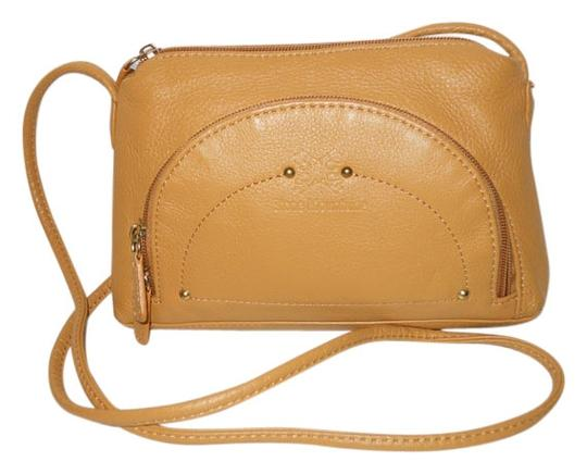 Preload https://item2.tradesy.com/images/stone-mountain-accessories-tan-leather-cross-body-bag-6552661-0-1.jpg?width=440&height=440
