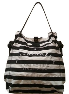 AN-NATASHA Beach Carry On Tote in Black and white striped